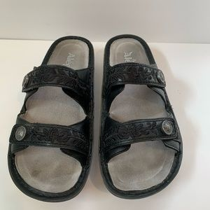 Alegria sandals SZ 38, 8. Like new. Black.